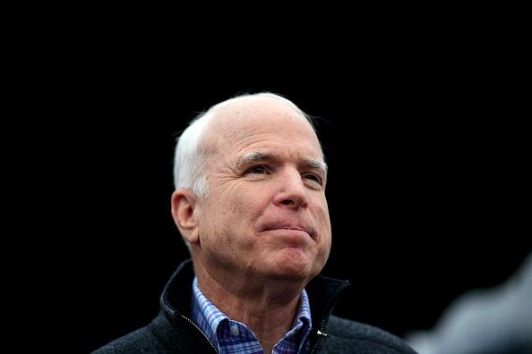 John McCain「McCain Returns To Iowa Ahead of Caucus」:写真・画像(1)[壁紙.com]