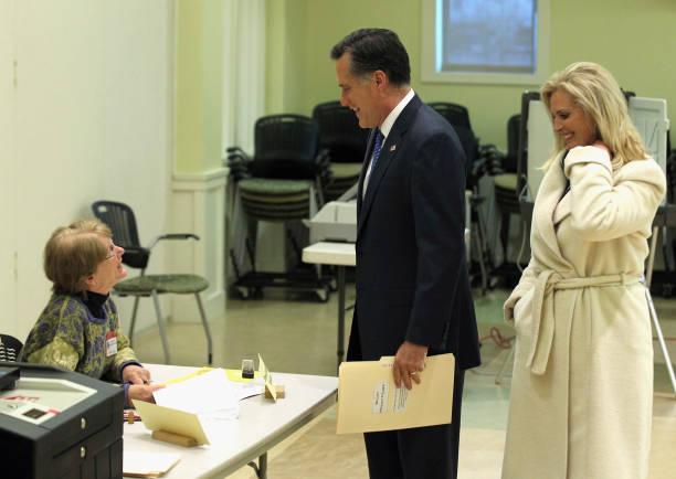 Republican Presidential Mitt Romney Votes In The Massachusetts Primary:ニュース(壁紙.com)