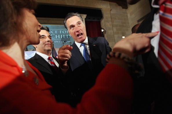 Guest「Mitt Romney Addresses Latino Coalition's Small Business Summit Luncheon」:写真・画像(9)[壁紙.com]