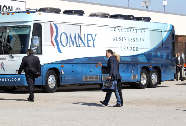 Hartsfield-Jackson Atlanta International Airport「Romney Campaigns In Georgia And Tennessee Ahead Of Super Tuesday」:写真・画像(4)[壁紙.com]