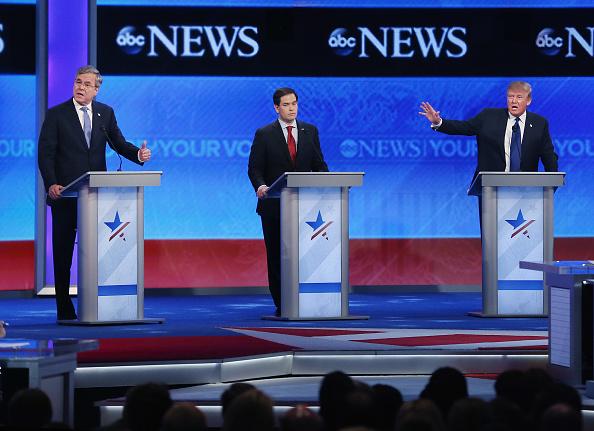 Jeb Bush「Republican Candidates Debate In New Hampshire Days Before State's Primary」:写真・画像(14)[壁紙.com]
