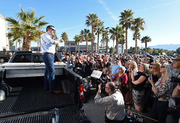 2016年アメリカ大統領選挙「Ted Cruz Campaigns In Nevada Ahead Of GOP Caucuses」:写真・画像(11)[壁紙.com]