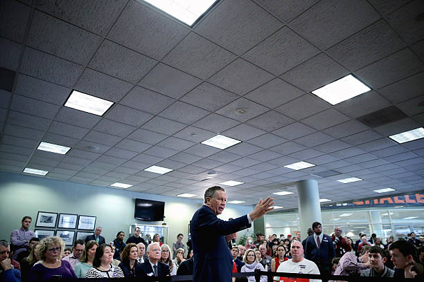 John Kasich Holds Campaign Rally In VA On Super Tuesday:ニュース(壁紙.com)