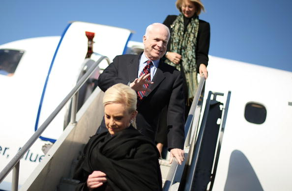 Super Tuesday「John McCain Stumps Throughout The Country Ahead Of Super Tuesday」:写真・画像(1)[壁紙.com]