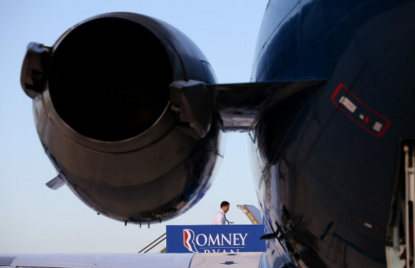 West Palm Beach「GOP Presidential Candidate Mitt Romney Campaigns Day After Final Debate」:写真・画像(15)[壁紙.com]