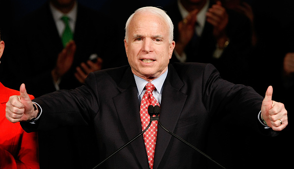 Super Tuesday「McCain Attends Super Tuesday Night Event In Phoenix」:写真・画像(16)[壁紙.com]