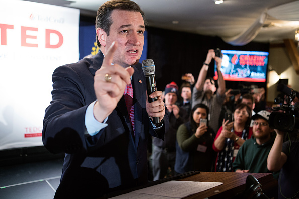 Grove「GOP Presidential Candidate Ted Cruz Holds New Hampshire Primary Night Gathering」:写真・画像(13)[壁紙.com]