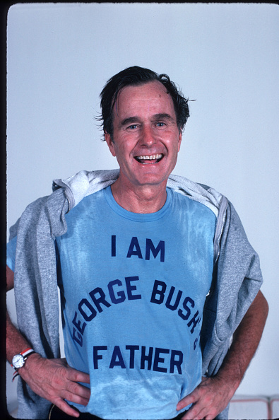 T-Shirt「Bush Campaigns For The Presidential Primary Elections」:写真・画像(19)[壁紙.com]
