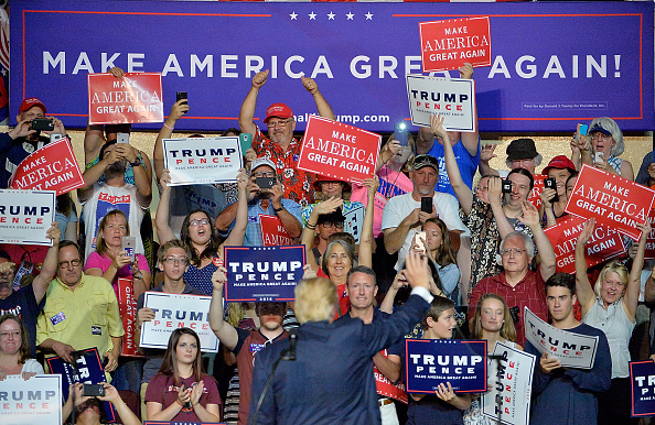 Event「Donald Trump Campaigns In Roanoke, Virginia」:写真・画像(3)[壁紙.com]