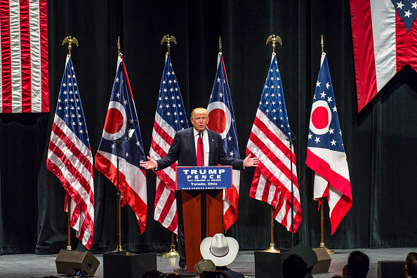 US Republican Party 2016 Presidential Candidate「GOP Presidential Nominee Donald Trump Campaigns In Toledo, Ohio」:写真・画像(1)[壁紙.com]