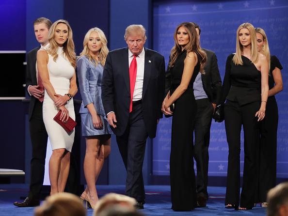 Businessman「Final Presidential Debate Between Hillary Clinton And Donald Trump Held In Las Vegas」:写真・画像(14)[壁紙.com]
