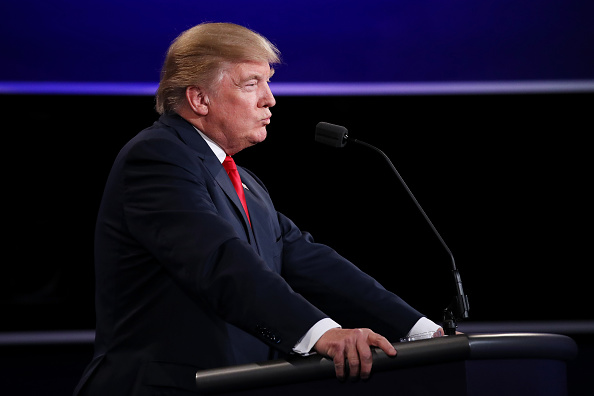 Drew Angerer「Final Presidential Debate Between Hillary Clinton And Donald Trump Held In Las Vegas」:写真・画像(12)[壁紙.com]