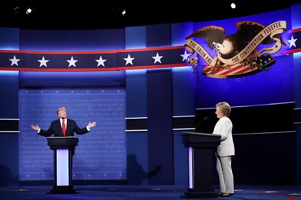 Win McNamee「Final Presidential Debate Between Hillary Clinton And Donald Trump Held In Las Vegas」:写真・画像(1)[壁紙.com]