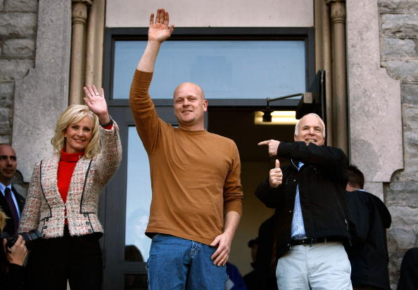 Oregon - US State「McCain Campaigns On Final Week Before Presidential Election」:写真・画像(15)[壁紙.com]