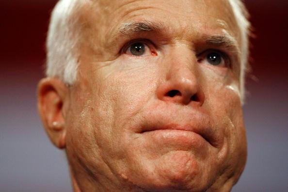 Florida International University「John McCain Campaigns As Election Day Nears」:写真・画像(16)[壁紙.com]