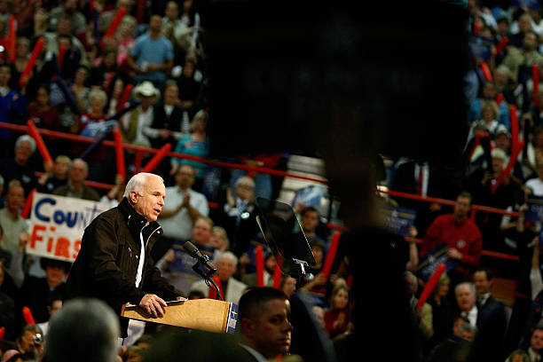 McCain Campaigns On Final Week Before Presidential Election:ニュース(壁紙.com)
