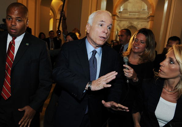 Emergency Economic Stabilization Act「McCain And Obama Return To Washington For Vote On Bailout Bill」:写真・画像(9)[壁紙.com]