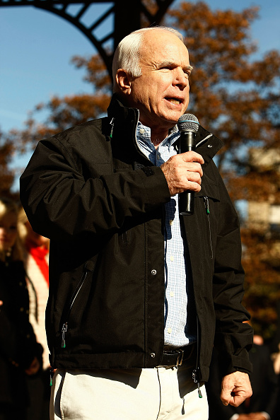 Oregon - US State「McCain Campaigns On Final Week Before Presidential Election」:写真・画像(10)[壁紙.com]