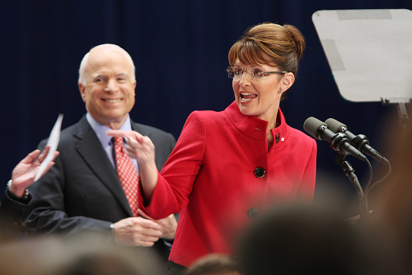 Emergency Economic Stabilization Act「McCain And Palin Campaign In Ohio」:写真・画像(13)[壁紙.com]