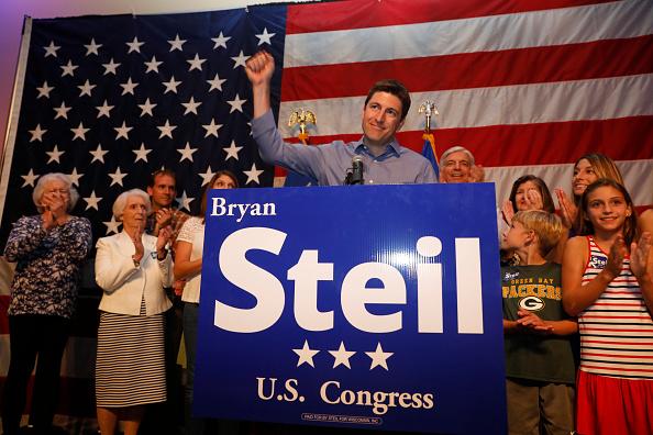 Candidate「Wisconsin GOP Senate Candidate Bryan Steil Attends Primary Night Gathering」:写真・画像(0)[壁紙.com]