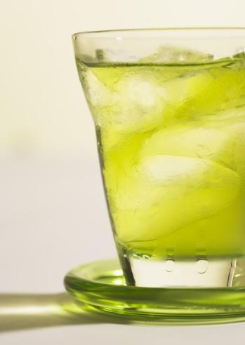 透明「Iced green tea」:スマホ壁紙(8)