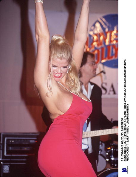 サンディエゴ「San Diego Anna Nicole Smith Preforms At Planet Hollywood San Diego Grand Openi」:写真・画像(16)[壁紙.com]