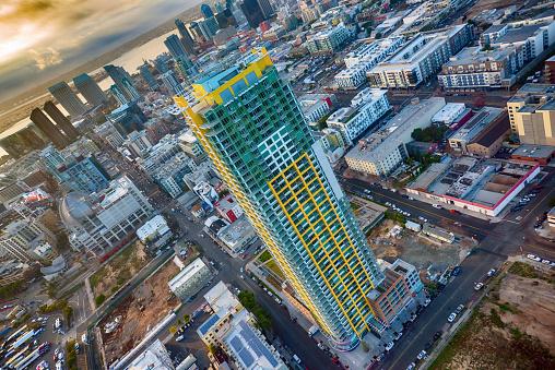 夕日「サンディエゴのアパートの建物の航空写真」:スマホ壁紙(18)