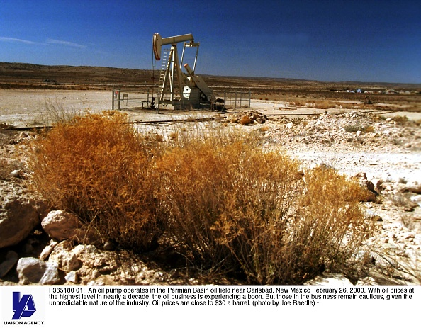 New Mexico「East New Mexico and West Texas oil industry try to rebound with the price of oil hitting near $30 a barrel」:写真・画像(6)[壁紙.com]