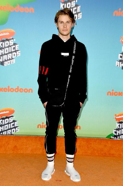 靴「Nickelodeon's 2019 Kids' Choice Awards - Arrivals」:写真・画像(16)[壁紙.com]