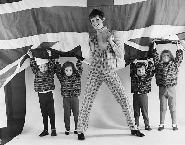 Sweater「Dress British」:写真・画像(5)[壁紙.com]