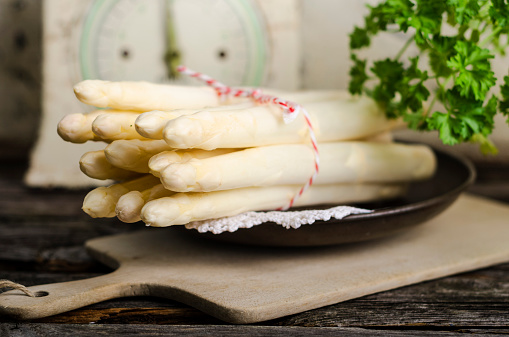 White Asparagus「PLate with bunch of white asparagus, Asparagus officinalis」:スマホ壁紙(6)