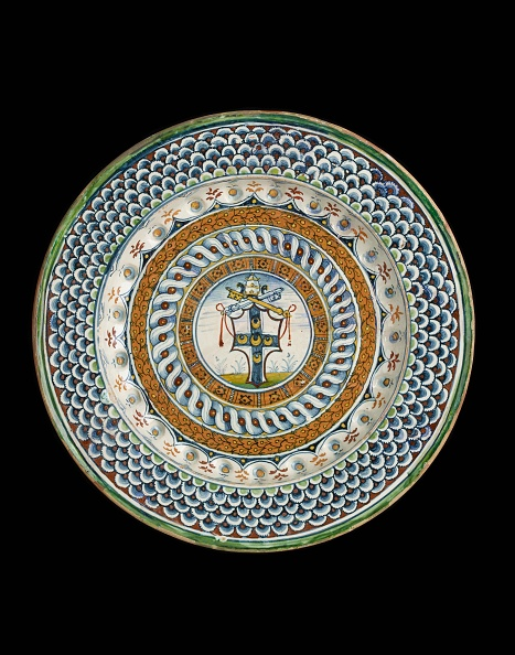 Plate「Plate With Arms Of Pope Pius Iii (Francesco Todeschere Piccolomini)」:写真・画像(17)[壁紙.com]