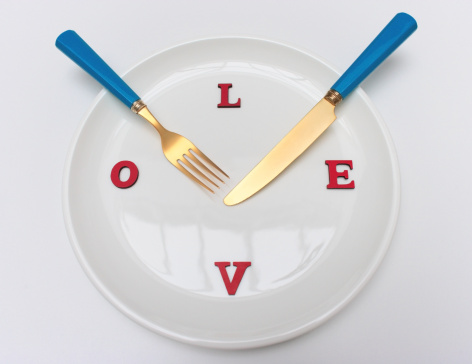 The Knife「Plate with a knife and fork and the word LOVE」:スマホ壁紙(6)
