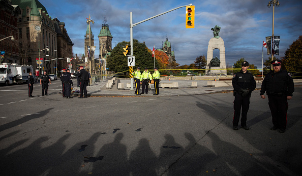 Nathan Burton「Ottawa On Alert After Shootings At Nation's Capitol」:写真・画像(15)[壁紙.com]
