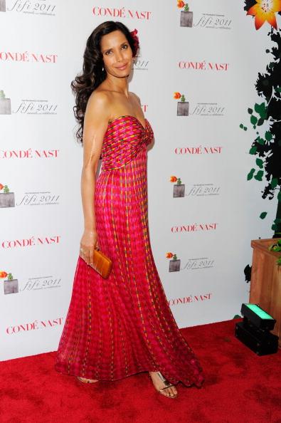 Strapless Evening Gown「2011 FiFi Awards - Outside Arrivals」:写真・画像(11)[壁紙.com]