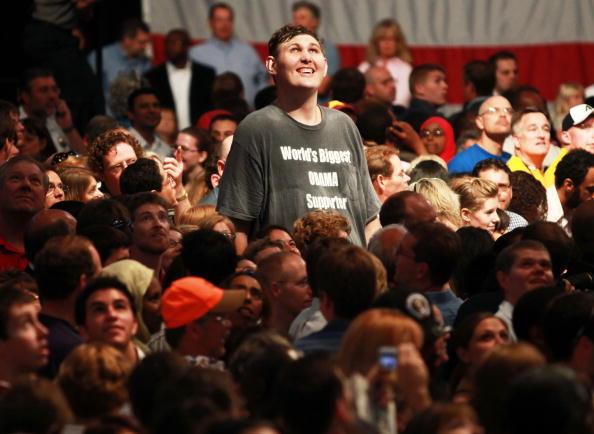 Insurance「Obama Speaks At Health Insurance Reform Rally In Minneapolis」:写真・画像(1)[壁紙.com]