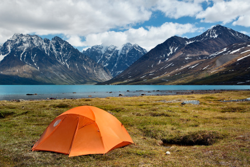 Scenics - Nature「Small camping tent in wilderness」:スマホ壁紙(2)