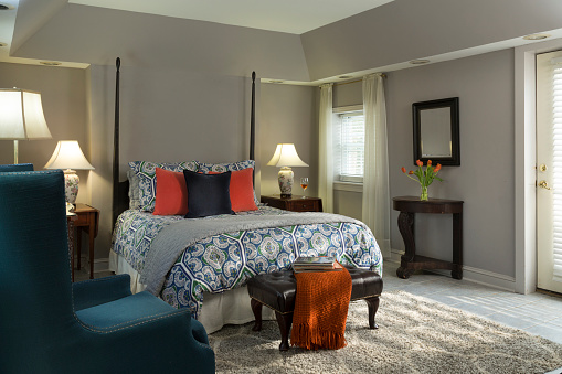 Twin Bed「Gray and Blue bedroom with tulips」:スマホ壁紙(15)