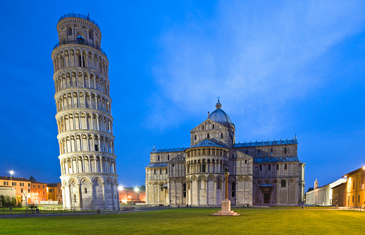 Cathedral「Piazza (square) dei Miracoli, the Leaning Tower (Torre Pendente) and the apse of the Duomo (Cathedral)」:スマホ壁紙(18)