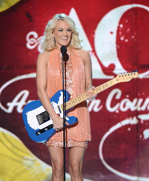 Embellished Dress「2012 American Country Awards - Show」:写真・画像(6)[壁紙.com]