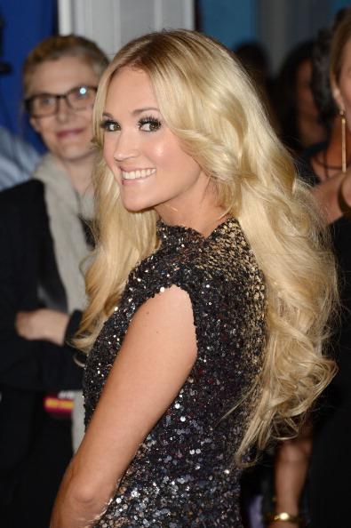 Silver Colored「2012 CMT Music Awards - Arrivals」:写真・画像(3)[壁紙.com]