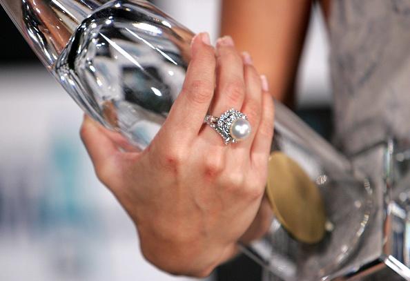 Horizon「The 40th Annual CMA Awards - Press Room」:写真・画像(19)[壁紙.com]
