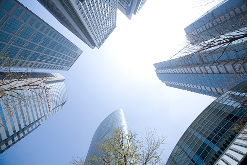 Low Angle View「Skyscrapers With Blue Sky. Shinagawa, Tokyo, Japan」:スマホ壁紙(3)