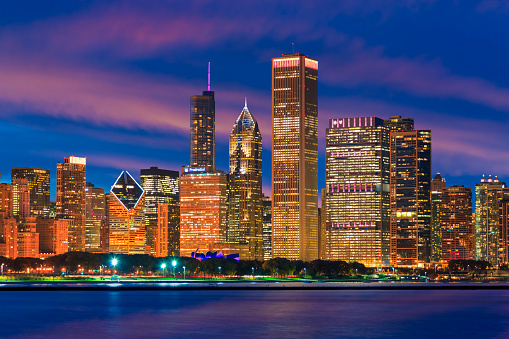 Great Lakes「Skyscrapers of Chicago skyline at sunset,Lake Michigan,Illinois」:スマホ壁紙(18)
