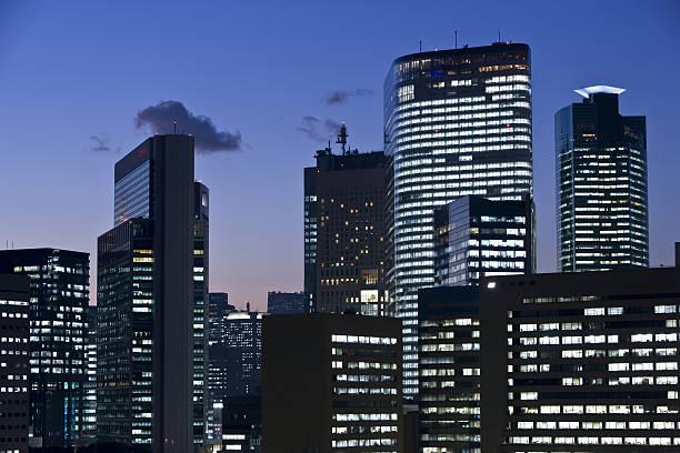 Skyscrapers at Night:スマホ壁紙(壁紙.com)