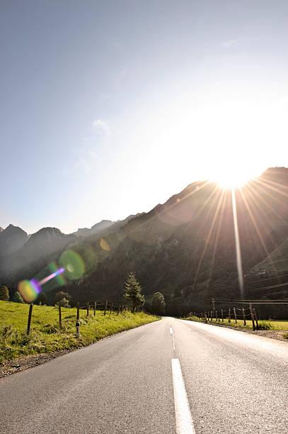 car trip through beautyful landscape, kaprun:スマホ壁紙(壁紙.com)