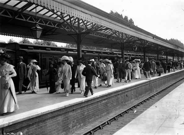 ヘンリーオンテムズ「Railway Station」:写真・画像(10)[壁紙.com]