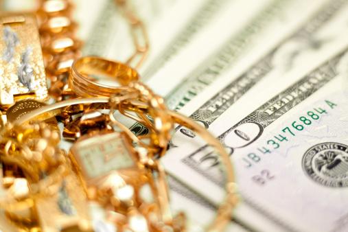 Bracelet「Buying gold concept」:スマホ壁紙(13)