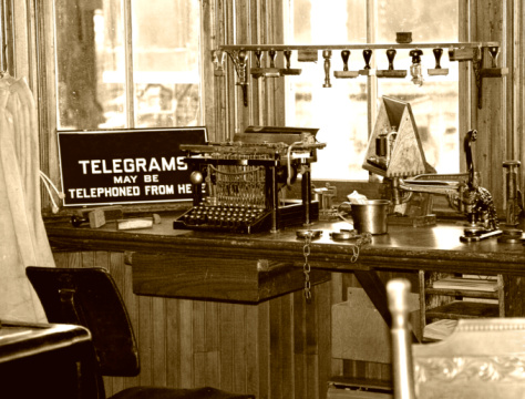Sepia Toned「Retro Telegraph Office」:スマホ壁紙(5)