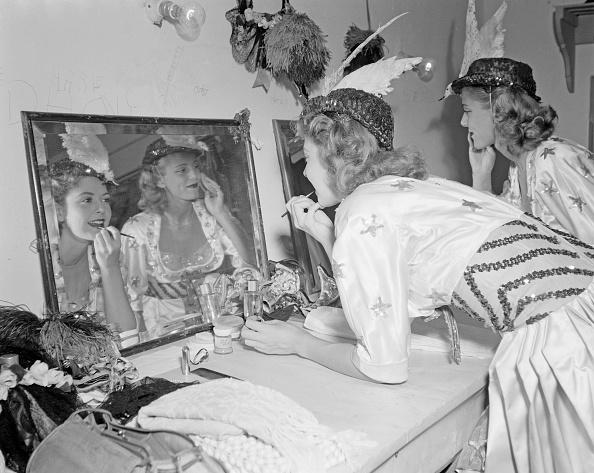 Light - Natural Phenomenon「Merriel Abbott Dancers」:写真・画像(7)[壁紙.com]